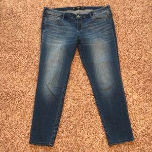 Hollister Jeans - Hollister crop denim